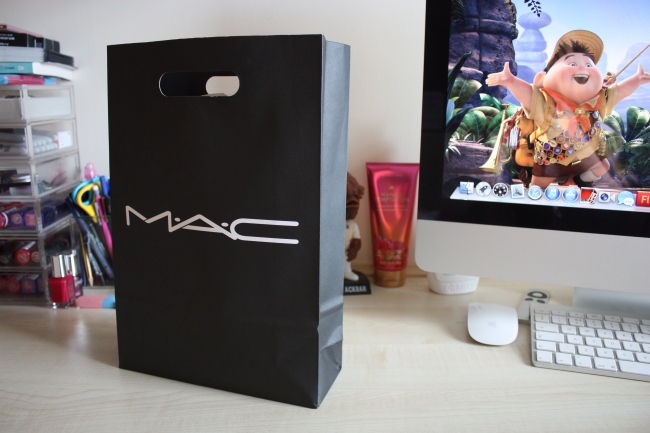 It happened again.. Cheeky MAC visit!